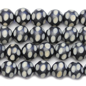 Philippine Polished Wood Black Base White Pattern 15mm Round BeadsBeads by Halcraft Collection