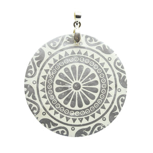 Pendant, Pendants, Shell, Shell Pendant, Shell Pendants, Dyed, Dyed Shell Pendant, Printed Shell, Filigree, Circle, Circle Pendant, Circle Pendants, 50mm, White