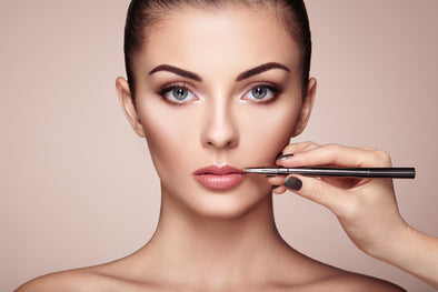 10 Ways to Look Younger with Makeup