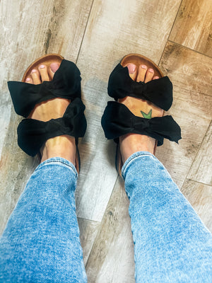 Cute As A Bow - Black Bow Sandals