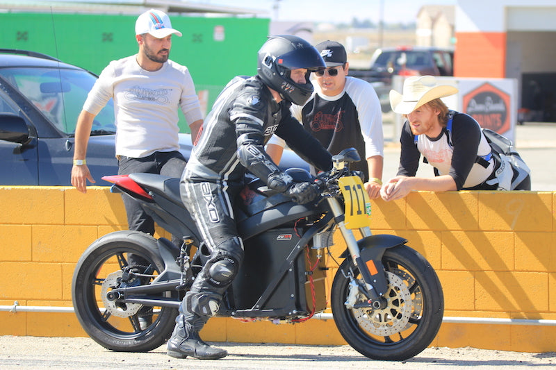 Hollywood Electrics Welcomes eMotoRacing to Willow Springs