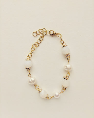 Bracelet Gold Plated Natural Pearls and White Agate 8mm - B800012