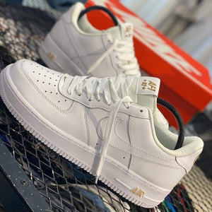 NIKE AIR FORCE ONE WHITE GOLD