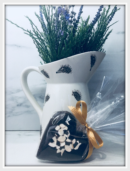 Amaretto & Almond Dark Chocolate Heart - The Little Chocolate Teapot Company