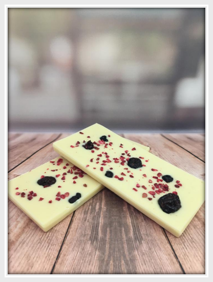 White Chocolate Very Berry Chocolate Bar
