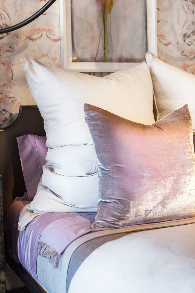 Velvety bedding in shades of lavender and platinum