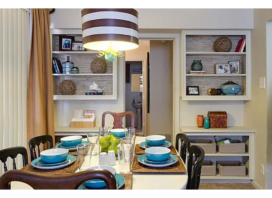 A classic dining room in shades of chocolate and teal