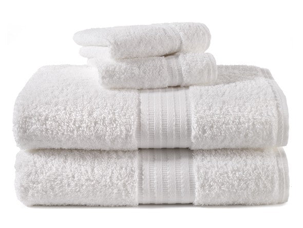 Luxury towels and washcloths in white