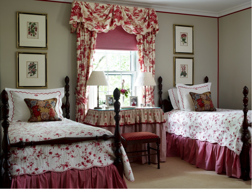 Twin girls' bedroom in red and white