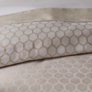 reversible honeycomb patterned bedding