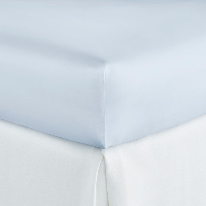 Soprano fitted sheet in color Barely Blue on mattress