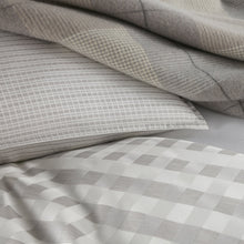 Load image into Gallery viewer, Prescott Duvet Cover linen detail close up