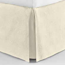 Load image into Gallery viewer, Vienna bedskirt ivory