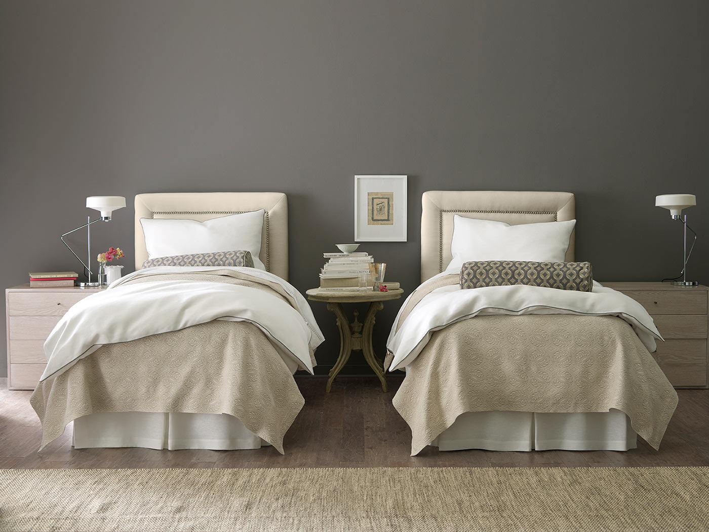Picture of: Twin Vs Twin Xl Beds And Bedding Peacock Alley