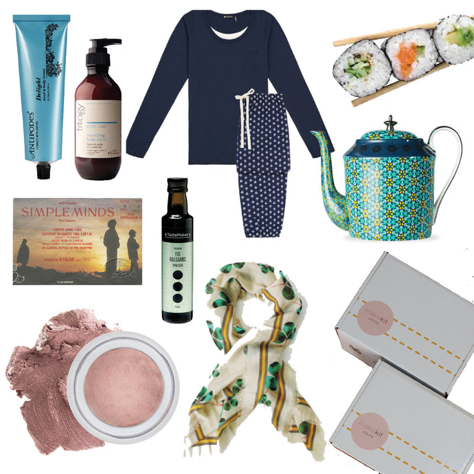 10 Best Gifts to Buy Women in Their 40's
