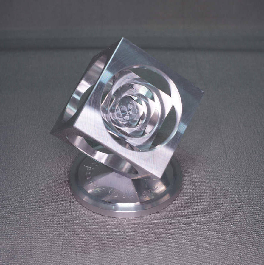 Aluminum Turner's Cube/Spinning top stand