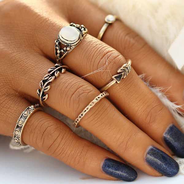 Yesenia Vintage Gold Ring Set