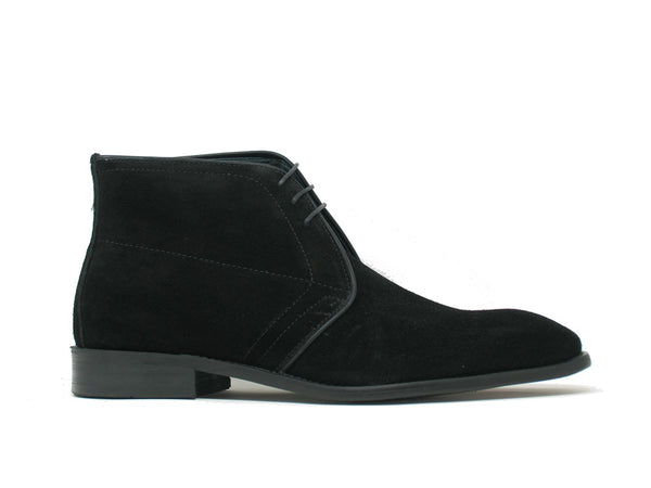 KB509-11S Carrucci Suede Chukka Boot