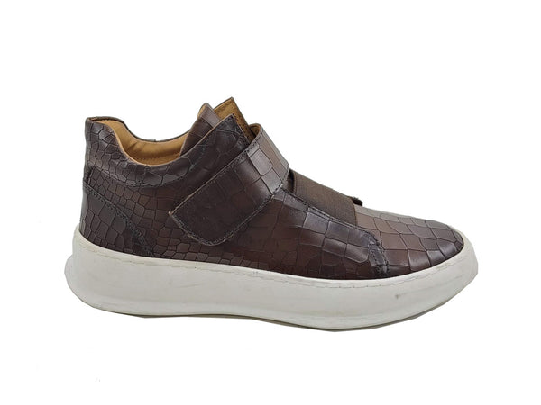 Embossed Fashion Mid-top Sneaker