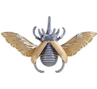 trendy gold color wing rhinoceros bug shaped brooch pin