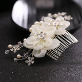 romantic flowers with pearls & rhinestone hair comb for women