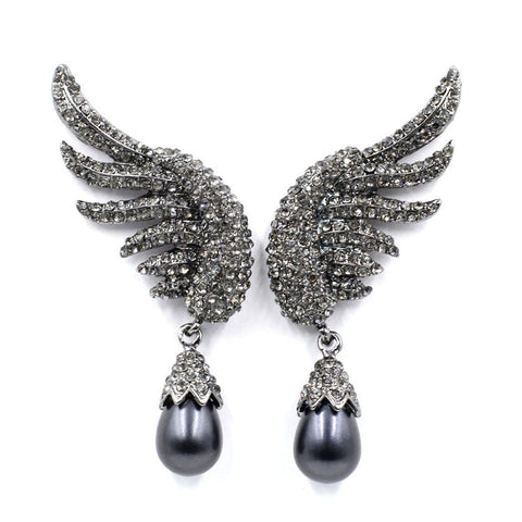 luxury simulated pearl wing design stud earrings for women