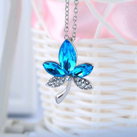 crystal rhinestone five leaves and flower necklace