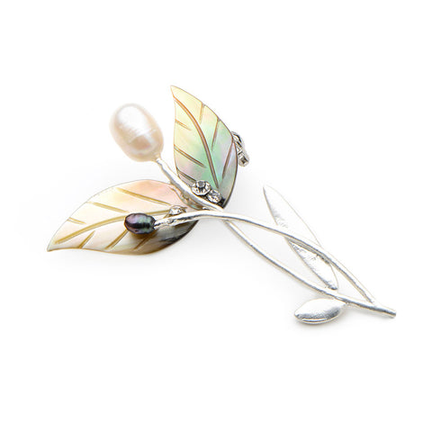 elegant natural shell flower shape brooch pin for women