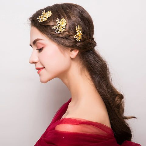 trendy sparkly gold color flower shaped hair pins for women
