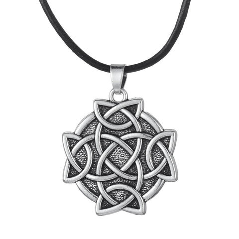 trendy Irish knot round pendant necklace for men