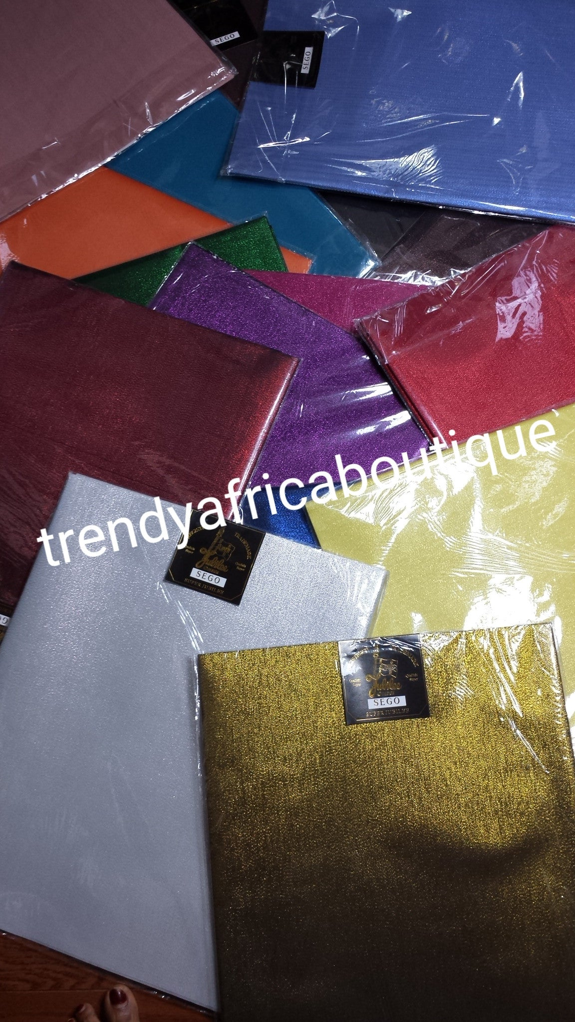 Plain Sago gele headtie. 2-1 pack. Comes in assorted colors. Sold per pack and price is for a park