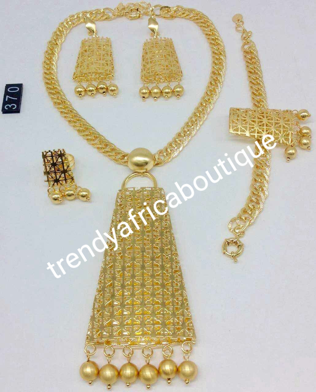 Quality 18k Gold plated choker Jewelry set. 4pc costume set. bracelet; earrings and ring. Sold as a set