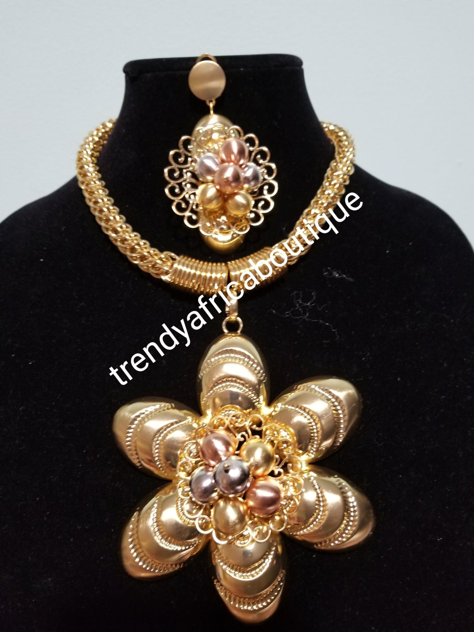 Latest 18k Gold plated Dubai costume jewelries set. High quality plating, hypoallergenic necklace and earrimgs set. Sold as a set