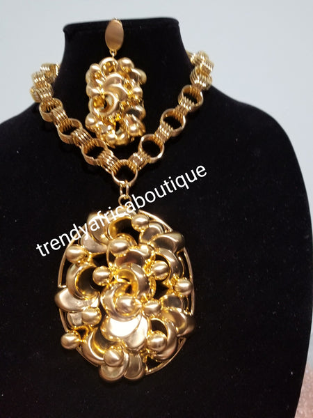 High Quality Dubai 18k Gold costume jewelry set for African wedding. Big Elegant necklace set 2pcs.