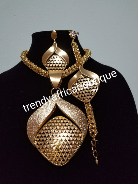 3pc set of 18k Gold plated African/Nigerian costume Necklace set. Beautiful Dubai necklace set for party. Also available in Silver plating
