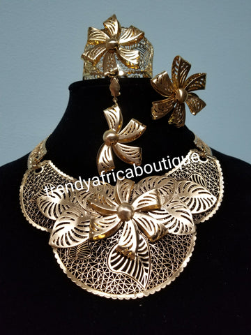 18k high quality Gold plating Dubai Jewelry set. 4pca necklace, earrings, bangle,  ring set. African party Jewelry set.