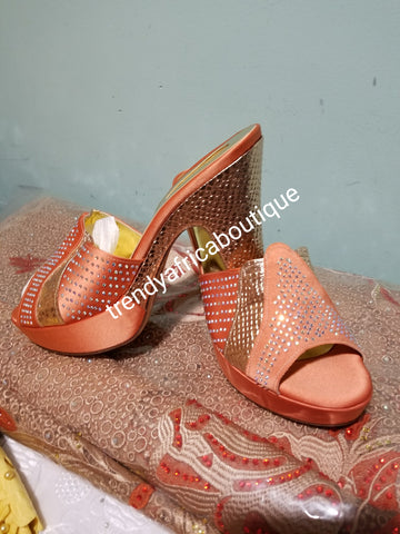 Size 42 Peach/gold Italian matching platform shoe and hand clutch. Quality Italian made shoe and bag. Sold as a set