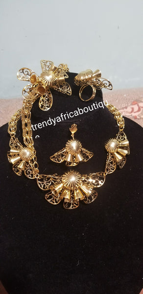 Quality 18k Gold plated jewelry set. 4pc choker matching necklace set. .