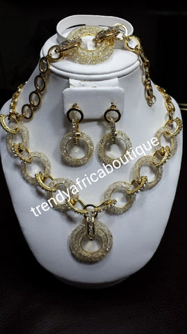 Sale: 3pc set 18k Italian design Gold plated Necklace set. Exclusive Design. Long lasting plating