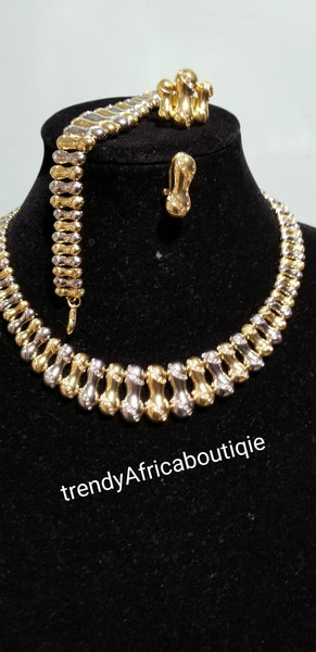 4pcs choker set. 2 tone ailver/gold set. 18k Gold/silver Costum necklace set. Sold as a set. Price is for the set