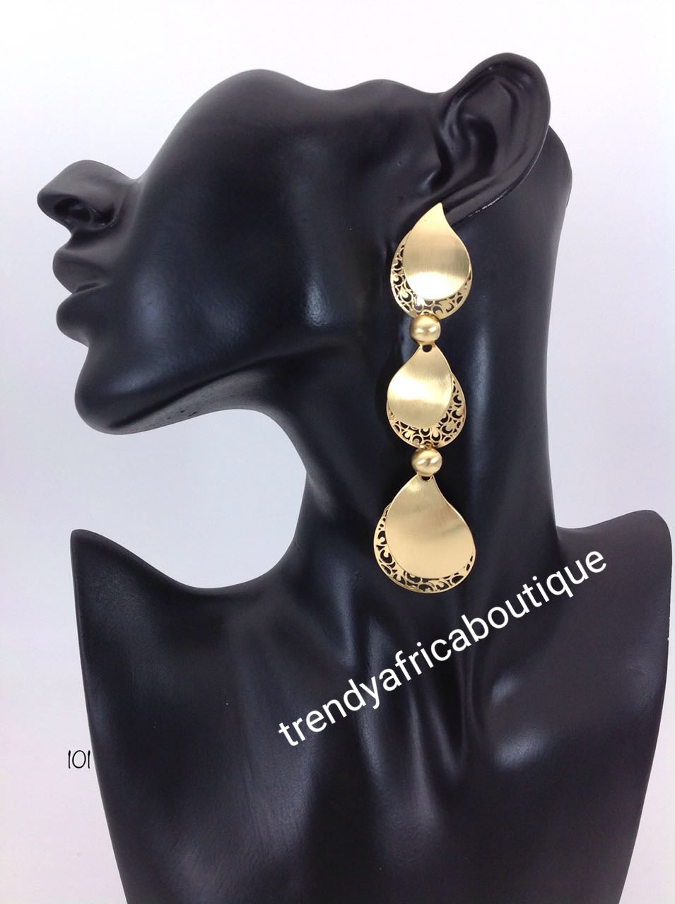 Latest drop-earrings in Gold electrroplating. Top quality made hypoallergenic. Long lasting. Light weight earrings