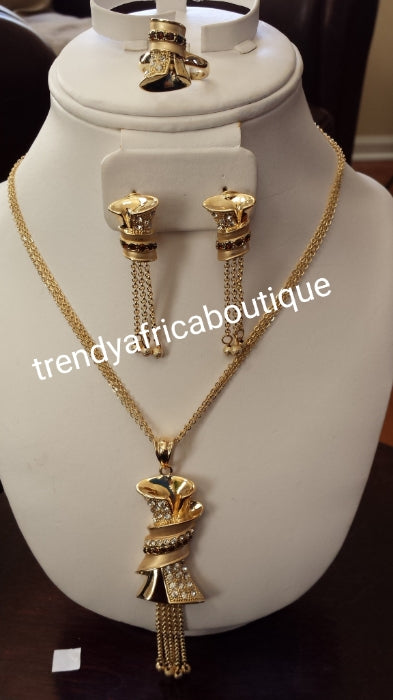 18k Gold plated pendant/earrings set with chain. Pendant/earrings/ring/chain set