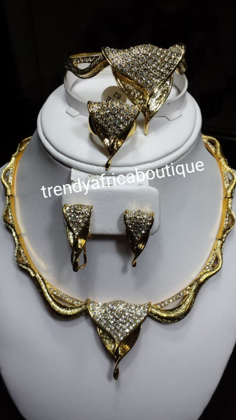 18k high quality Gold plating Dubai Jewelry set. 4 piece necklace, earrings, bangle, ring set. African party Jewelry set. Hypoallergenic, high quality plating