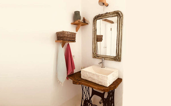 Your Ultimate Guide To Small Hand Towels: Storage ideas, when to wash? And more