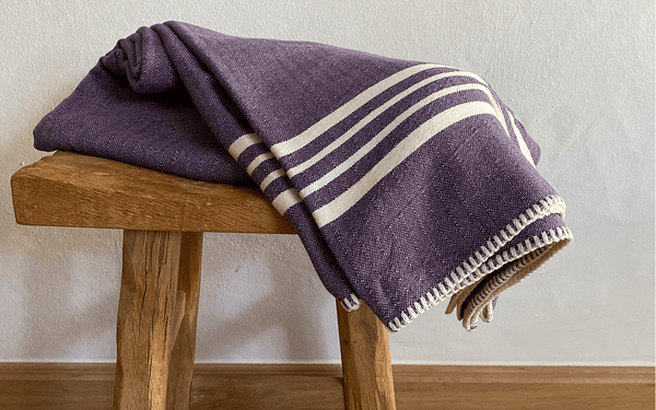 A guide to know how Bath Towels and Bath sheets differ!