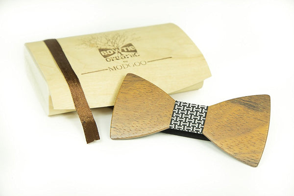 Modgoo Organic Wood Bow Tie James Bond Black and White