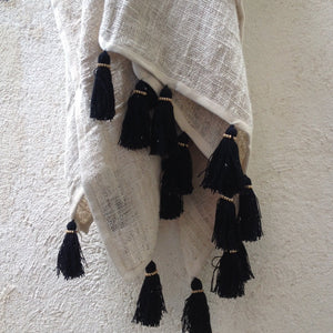 THROW FREYA - NATURAL & BLACK TASSELS