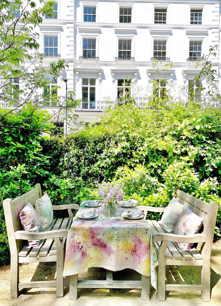 Summer tables by Colleen Kennedy Cohen   featured on Madame de la Maison blog