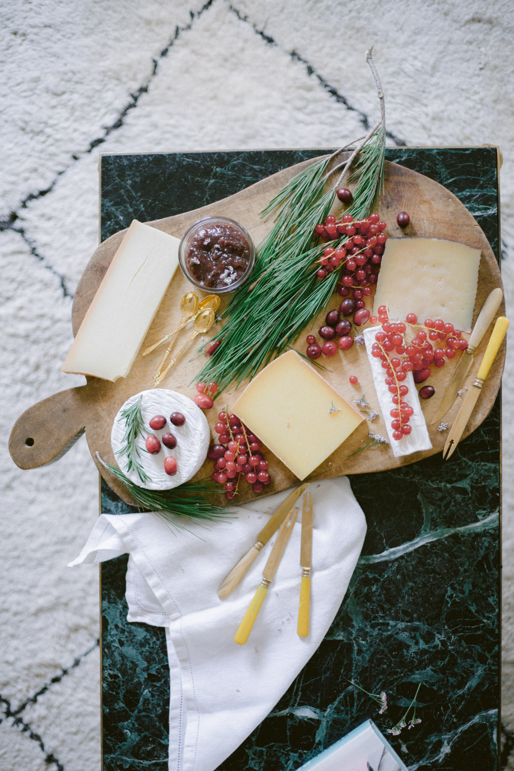 Holiday table inspiration by Madame de la Maison