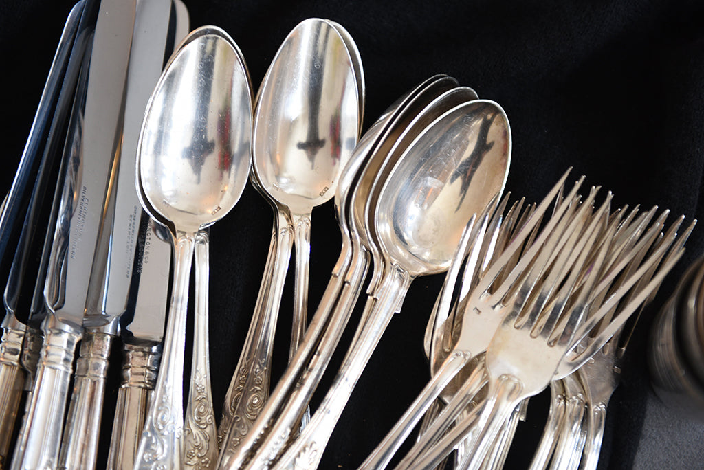 Antique silverware for Madame de la Maison